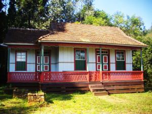 Casa-Ucraniana-Realocada-restaurada
